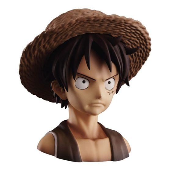 麦わら帽子はルフィ・シャンクス、どちらにも装着可能。(付属する麦わら帽子は1つです)