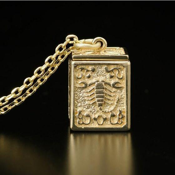 【受注生産】聖闘士星矢 黄金聖衣箱(ゴールドクロスボックス)デザインペンダント 蠍座( スコーピオン )