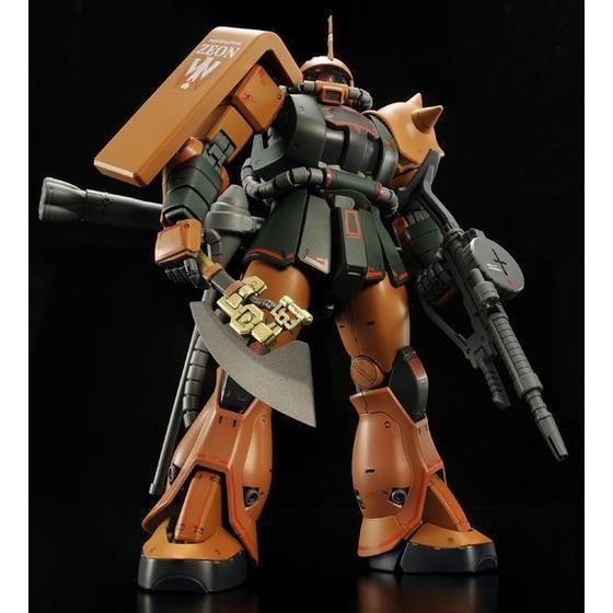 MG 1/100 MS-06FS ガルマ・ザビ専用 ザクII 【2次:2015年1月発送】
