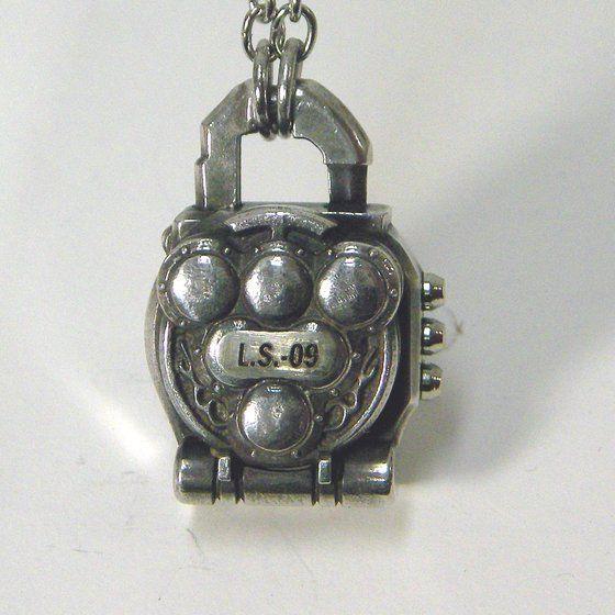 仮面ライダー鎧武 ロックシードデザイン silver925ネックレス ブドウロックシード