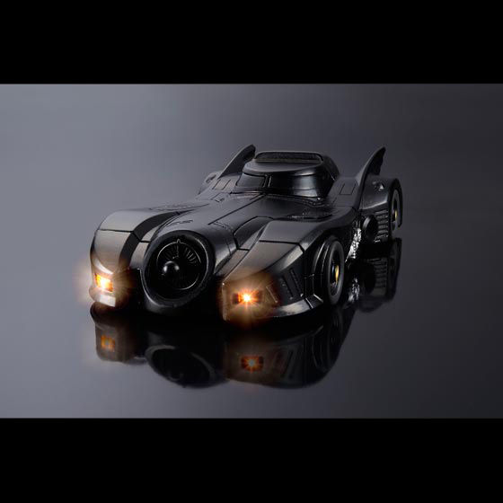 CRAZY CASE BATMOBILE�i�N���C�W�[�P�[�X �o�b�g���[�r���j