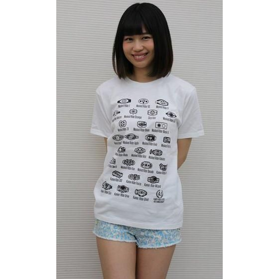 仮面ライダーシリーズ45周年記念 歴代変身ベルト柄Tシャツ(ホワイト)