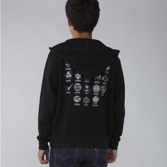 仮面ライダーシリーズ45周年記念 仮面ライダーエグゼイド&平成ライダーマーク パーカー(ブラック)