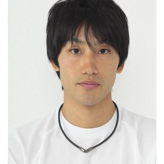 【仮面ライダーカブト ZECT】RAKUWAネックX50 Vタイプ 仮面ライダーシリーズモデル【phiten(ファイテン)】