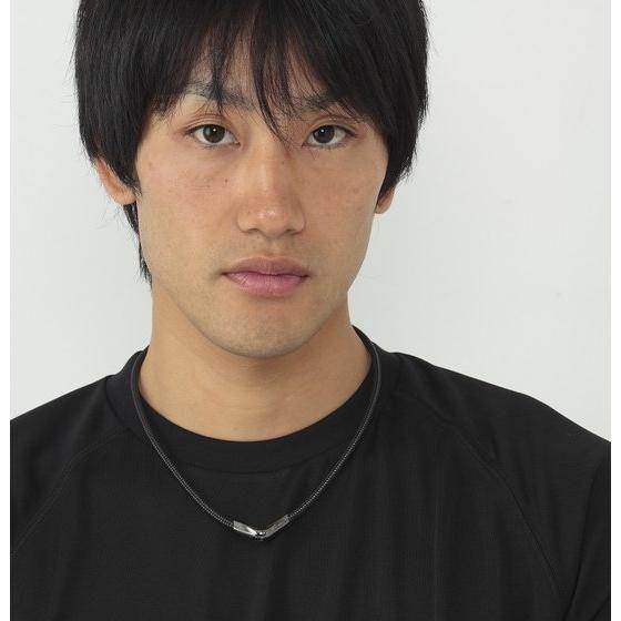 【仮面ライダーゴースト】RAKUWAネックX50 Vタイプ 仮面ライダーシリーズモデル【phiten(ファイテン)】