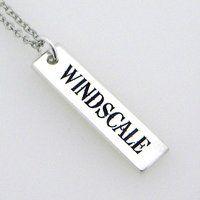 WINDSCALE プレートペンダント