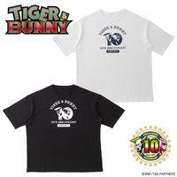 TIGER & BUNNY ビッグシルエットTシャツ 10周年柄